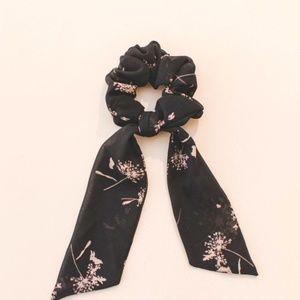 Dandelion Floral Hair Tie